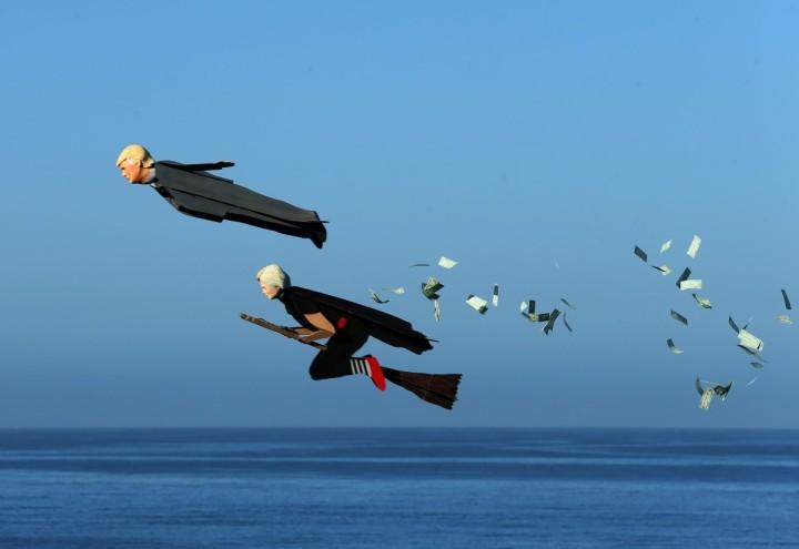 1474006813_flying-trump-flying-hillary